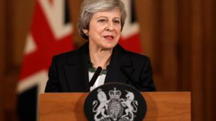رئيسة الوزراء البريطانية تيريزا ماي خلال المؤتمر الصحفي الخميس 15 تشرين الثاني/نوفمبر