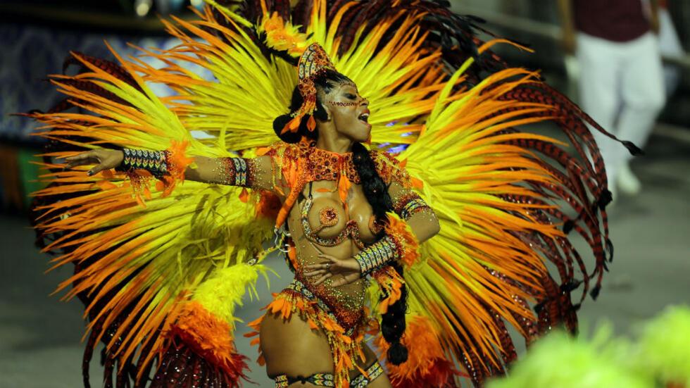 Brasil dio inicio a la fiesta nacional más esperada, el carnaval, que se celebra en todo el país del 9 al 17 de febrero cuyo epicentro se ubica en Río de Janeiro y Salvador.