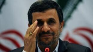 الرئيس الإيراني السابق المحافظ محمود أحمدي نجاد