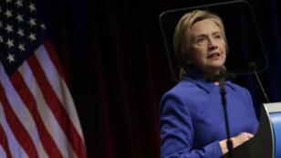 Hillary Clinton lors de sa dernière apparition publique, à Washington, le 16 novembre.