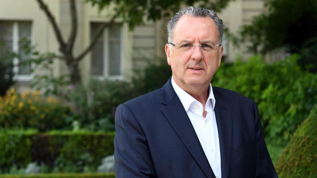 Le député et nouvellement président du groupe LREM à l'Assemblée nationale, Richard Ferrand, le 23 juin 2017 devant le Palais Bourbon.