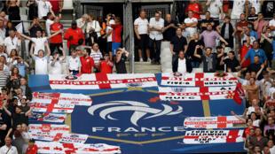 Anglais et Français étaient unis autour du football mardi 13 juin, au Stade de France.
