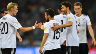 L'équipe allemande célèbre la victoire face au Mexique à Sotchi, le 29 juin 2017