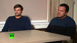 الروسيان المتهمان بتسميم سكريبال خلال مقابلة مع قناة آر تي الروسية 13 أيلول/سبتمبر 2018