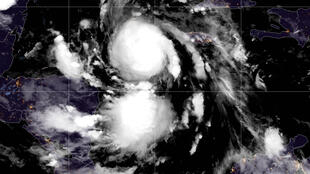 Imagen satelital del huracán Delta sobre el mar Caribe, en las primeras horas del 6 de octubre de 2020