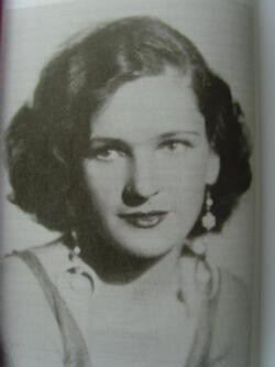 """Un portrait de Marina Yurlova (non daté) dans son livre """"Cossack Girl"""" publié en 1934"""