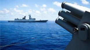 سفن حربية في بحر الصين الجنوبي