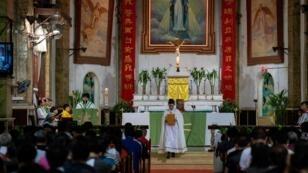Une messe célébrée à la cathédrale de Pékin le 22 septembre 2018.