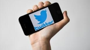 Twitter has apologised for suspending a number of accounts critical of China
