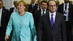 Angela Merkel et François Hollande à l'issue d'une conférence de presse conjointe à Bratislava, le 16 septembre 2016.