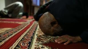 """بدأ بناء مسجد """"معهد النور"""" في تموز/يوليو 2012 وانتهى في تشرين الثاني/نوفمبر"""