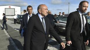 Le ministre de l'Intérieur Gérard Collomb lors de sa visite à Calais, le 23 juin 2017.