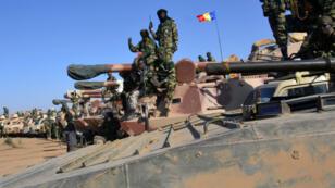 Troupes tchadiennes près de la ville nigériane de Gambaru, le 1er février 2015.