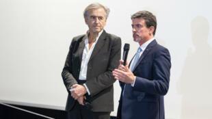 Bernard-Henri Lévy et Manuel Valls au cinéma Le Saint-Germain des-Prés le 2 novembre 2017.