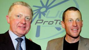 Le cycliste Lance Armstrong en compagnie de l'ex-président de l'UCI Hein Verbruggen, tous deux épinglés dans le rapport de l'UCI.
