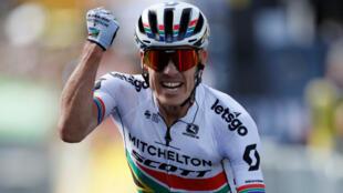 Le Sud-Africain Daryl Impey a remporté la neuvième étape du Tour de France,le 14 juillet 2019.