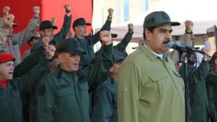 El presidente de Venezuela, Nicolás Maduro, durante un acto militar el 17 de diciembre de 2018.