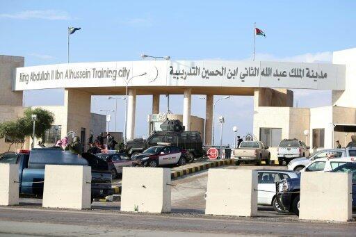 القاعدة حيث قضى خمسة أشخاص بالرصاص على يد الضابط الأردني أنور أبو زيد