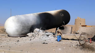 Les décombres d'une pompe à essence, après l'attaque aérienne dans la ville de Saada, le 6 janvier 2018.