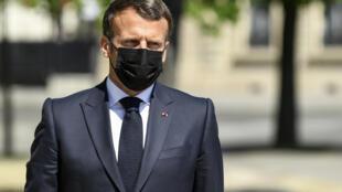 الرئيس الفرنسي ايمانويل ماكرون في باريس في24 أبريل/نيسان 2021