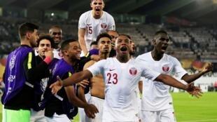 فرحة اللاعبين القطريين بفوزهم بكأس آسيا للمرة الأولى في تاريخهم. 2019/02/01