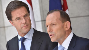 Le Premier ministre australien, Tony Abbott (droite), aux côtés de son homologue néerlandais, Mark Rutte.