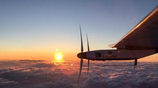 L'avion Solar Impulse se trouvait mercredi matin (heure de Tokyo) à mi-chemin entre le Japon et Hawaï.