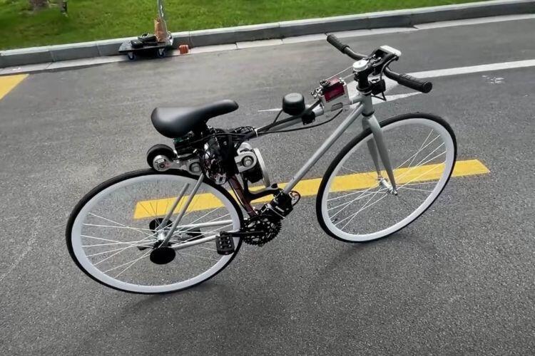 دراجة تحافظ على توازنها وحدها