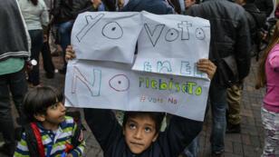 """Le """"non"""" l'a emporté en Colombie avec 50,21 % des voix contre 49,78 % pour le """"oui"""", dimanche 2 octobre 2016, lors du référendum sur l'accord de paix avec les Farc."""
