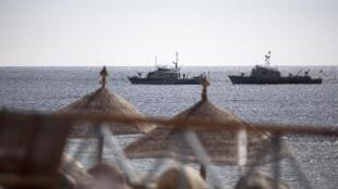 البحرية المصرية تقوم بدورية قبالة شاطئ شرم الشيخ في 17 فبراير/شباط 2011