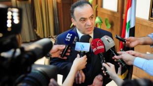 رئيس الحكومة السورية المقال عماد خميس.