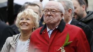 جان ماري لوبان الزعيم السابق لحزب الجبهة الوطنية (يمين متطرف) الفرنسي