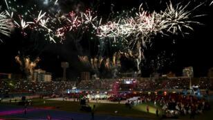 Vista general de los juegos pirotécnicos durante la ceremonia de clausura de los Juegos Suramericanos. 8 de junio de 2018.