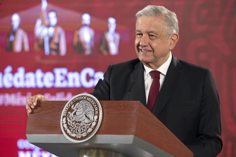 Foto divulgada por la presidencia de México del presidente Andrés Manuel López Obrador en la habitual conferencia de prensa en Palacio Nacional, en la Ciudad de México, el 13 de agosto de 2020.