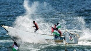 قارب يشارك في احتجاج ضد الحصار الإسرائيلي قبالة شواطىء غزة. 10 تموز/وليو 2018.