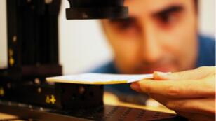 La caméra du MIT peut lire jusqu'à neuf pages empilées.