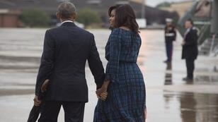 Barack et Michelle Obama sur la base aérienne d'Andrews, dans le Maryland, le 28 septembre 2016.