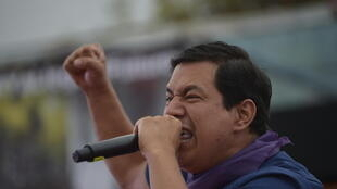 El candidato presidencial ecuatoriano por el partido Unión por la Esperanza, Andrés Arauz, habla a sus simpatizantes durante el mitin de clausura de su campaña en Quito, Ecuador, el 4 de febrero de 2021, tres días antes de los comicios presidenciales