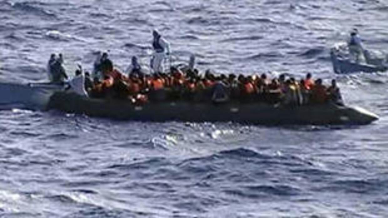 مقتل 13 مهاجرة بينهن حوامل وفقدان عشرة أشخاص إثر غرق زورق قبالة لامبيدوزا الإيطالية