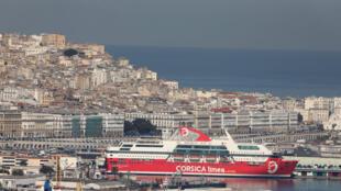 Le port d'Alger, le 6 décembre 2017.