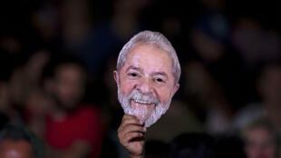 Un partisan de Lula à Rio, le 28 juillet.
