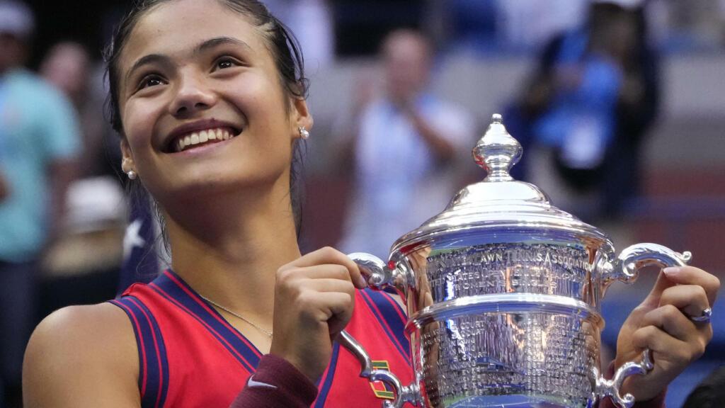 بطولة أمريكا المفتوحة: البريطانية رادوكانو أول لاعبة صاعدة تحرز لقبا في البطولات الأربع الكبرى thumbnail