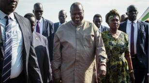 Le chef rebelle sud-soudanais Riek Machar (au centre) est arrivé mercredi 31 octobre à Juba, la capitale sud-soudanaise.