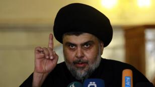 Moqtada Sadr, le 11 décembre 2015, dans la mosquée de Koufa, à 160 km environ au sud de Bagdad.