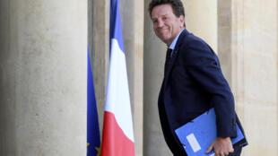 Le président du Medef, Geoffroy Roux de Bézieux, arrive le 24 juin 2020 à l'Elysée, à Paris, pour une réunion