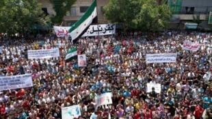 تظاهرة في كفرنبل بمحافظة إدلب في 6 تموز/يوليو 2012