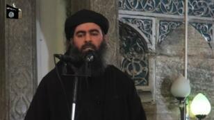Une capture d'une vidéo de propagande de l'EI montrant Abou Bakr al-Baghdadi, le 5 juillet 2014.