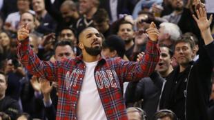 Drake, supporter n°1 des Raptors, le club de basket de Toronto.