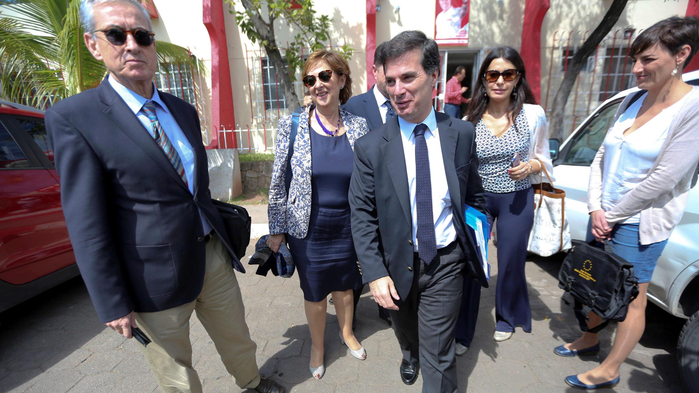 La misión de observación electoral del Parlamento Europeo, encabezada por José Inacio Faria, se retira tras una reunión con los representantes del Partido Liberal en Tegucigalpa, el 24 de noviembre de 2017.