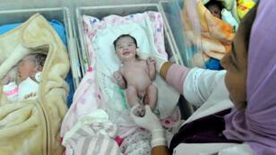 Nouveau-nés dans la maternité des Orangers à Rabat, au Maroc.